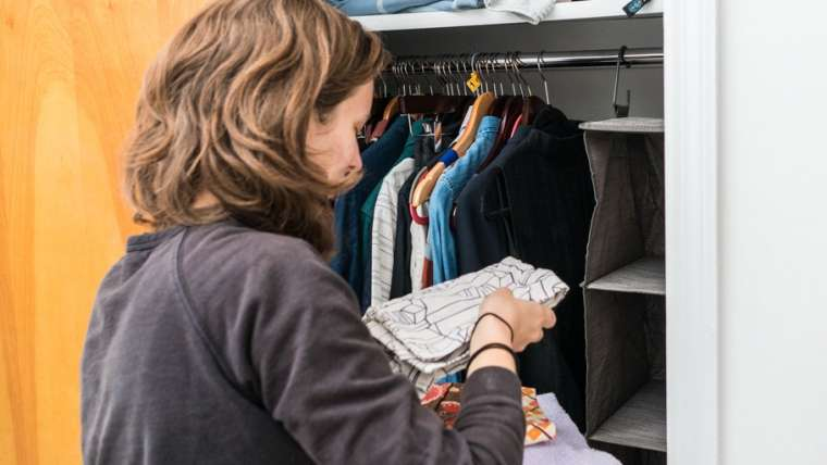 How To Clean Out A Closet Before Your Move?