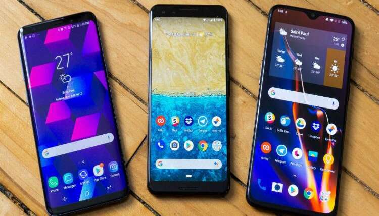 Tough competition among smartphone giants benefits users