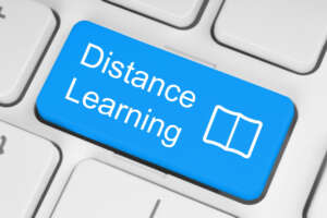 How to hire the best distance Education University to complete a degree successfully?